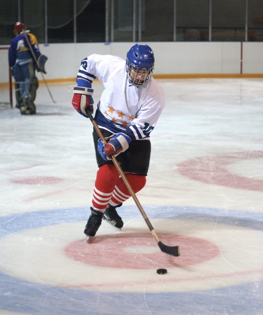 Maintaining a healthy hydration status is key to optimal sports performance, especially in sports that require athletes to wear a heavy uniform. This post explains how much hockey players need to drink during practice