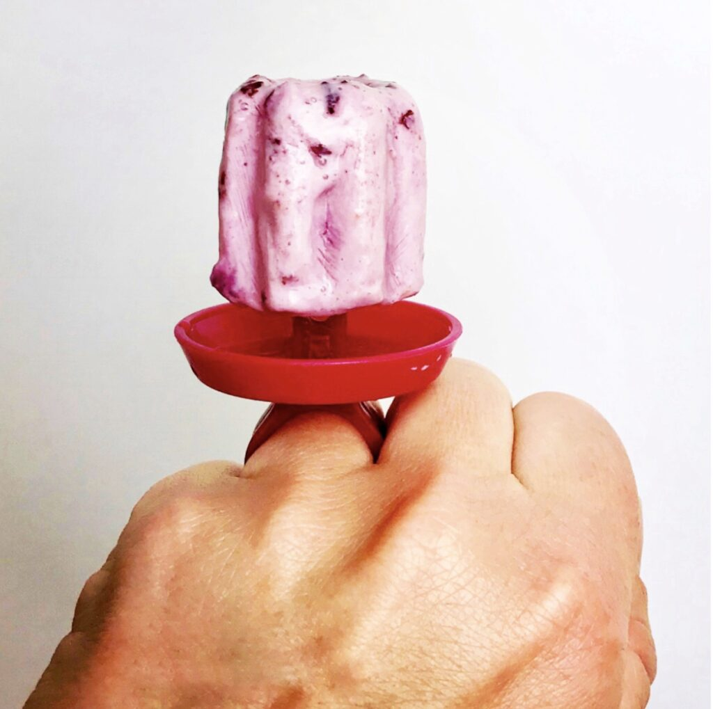20 calorie and only 3 grams of carbohydrates, these cherry Greek yogurt ring pops are the perfect sweet treat.