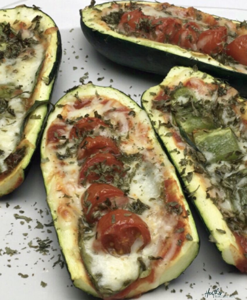 How to make zucchini pizza boats - the recipe, caloreis and nutrition information