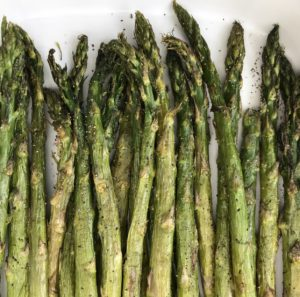 How to make oven -roasted asparagus, plus the calories, fat, protein, carbohydrates and other nutrition information for asparagus.